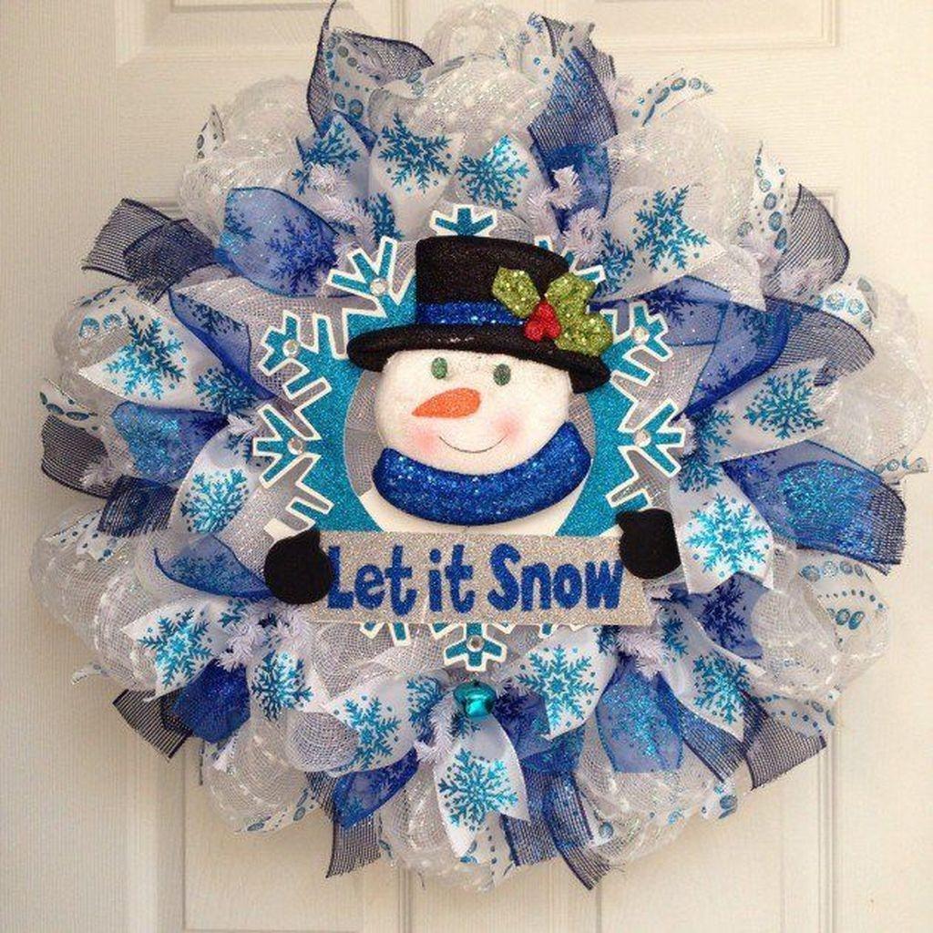 Popular Winter Front Door Decoration Ideas 16