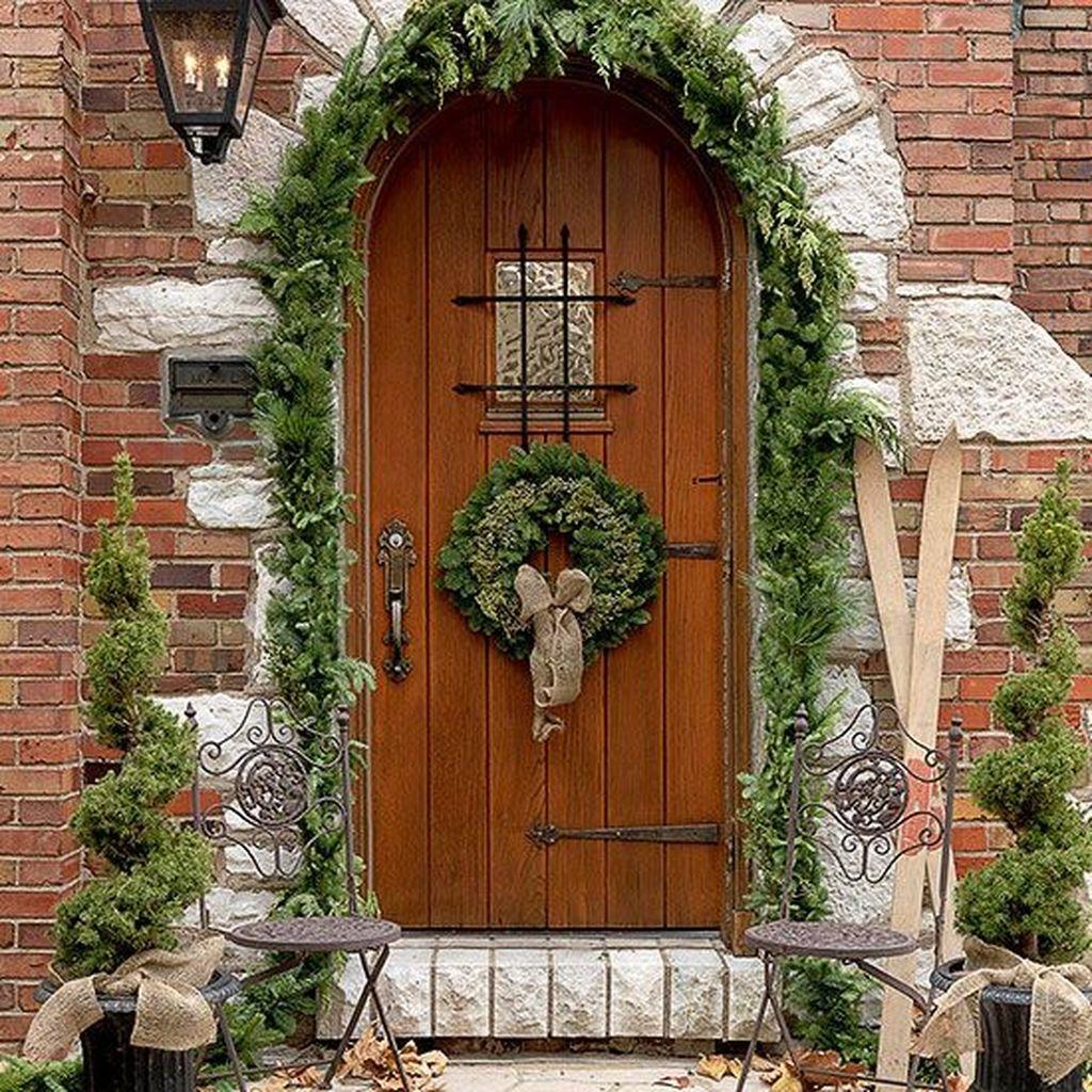 Popular Winter Front Door Decoration Ideas 39