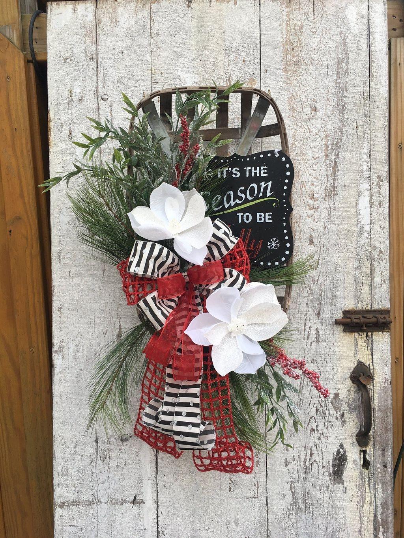Popular Winter Front Door Decoration Ideas 41