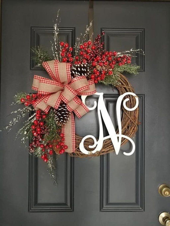 Popular Winter Front Door Decoration Ideas 44