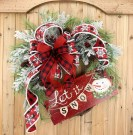 Popular Winter Front Door Decoration Ideas 50