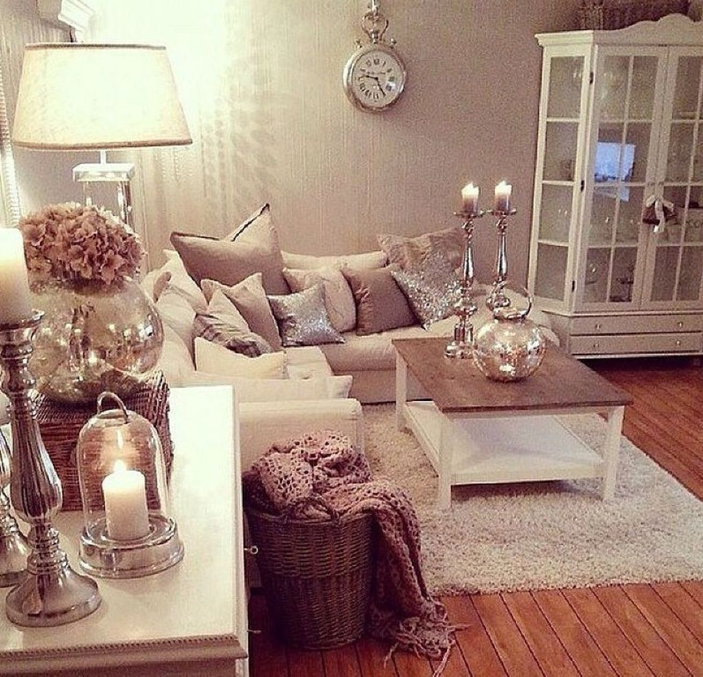 Stunning Romantic Living Room Decor 32