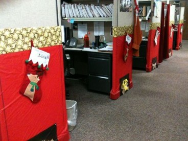 Stunning Winter Office Decorations That You Can Easily Make 15