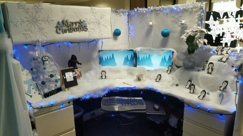 Stunning Winter Office Decorations That You Can Easily Make 39