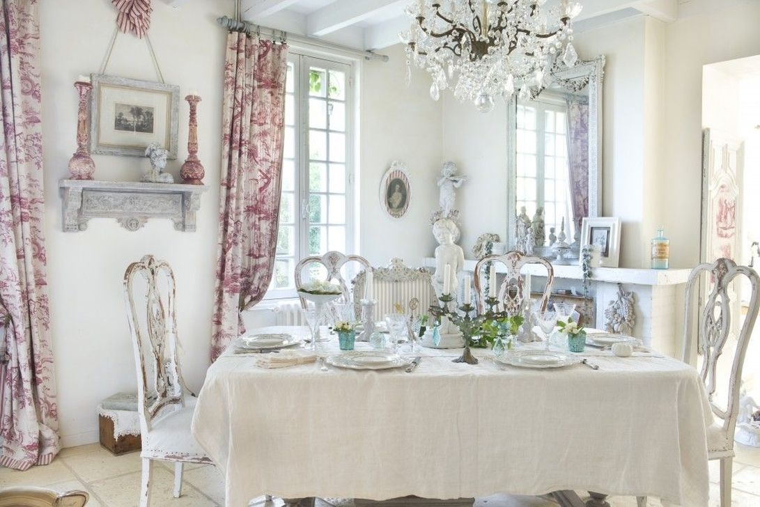 Sweet Romantic Dining Room Decor 16