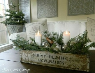 The Best DIY Christmas Centerpiece Decoration For Your Amazing Christmas 11