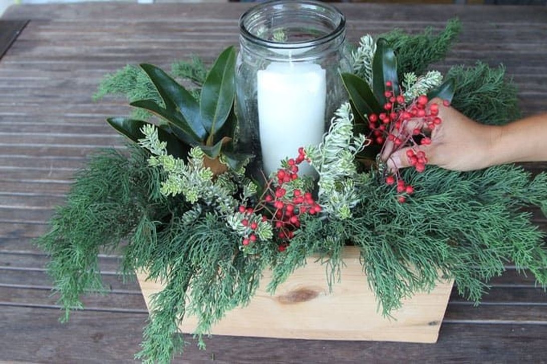 The Best DIY Christmas Centerpiece Decoration For Your Amazing Christmas 36