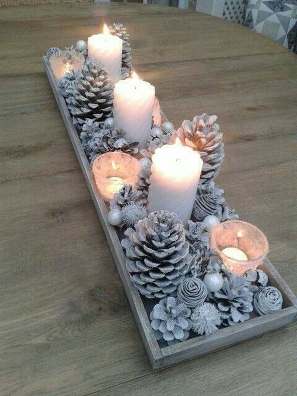 The Best DIY Christmas Centerpiece Decoration For Your Amazing Christmas 43