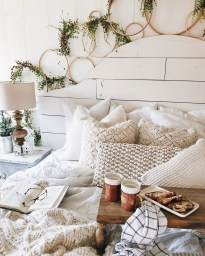 The Best Winter Decoration For Apartment 23