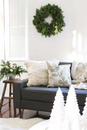 The Best Winter Decoration For Apartment 34