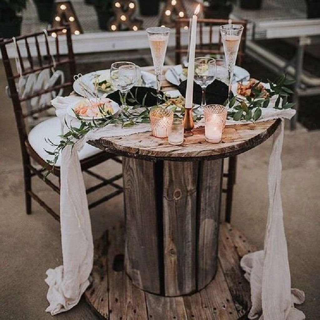 The Best Winter Table Decorations You Need To Try 14