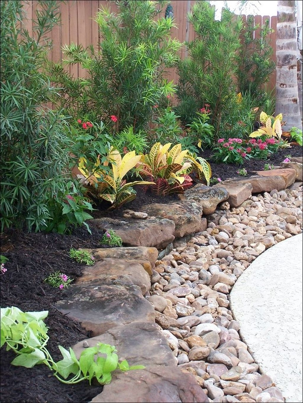 Backyard Landscaping Ideas With Minimum Budget 46