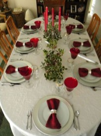 Beautiful Valentines Day Table Decor 11