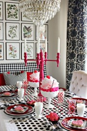 Beautiful Valentines Day Table Decor 13