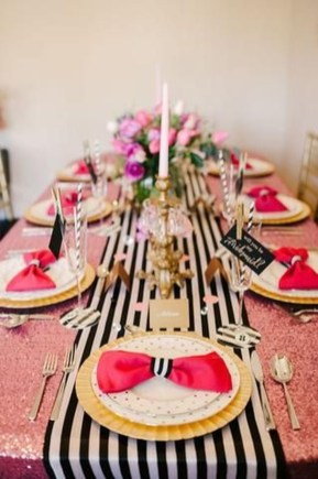 Beautiful Valentines Day Table Decor 16