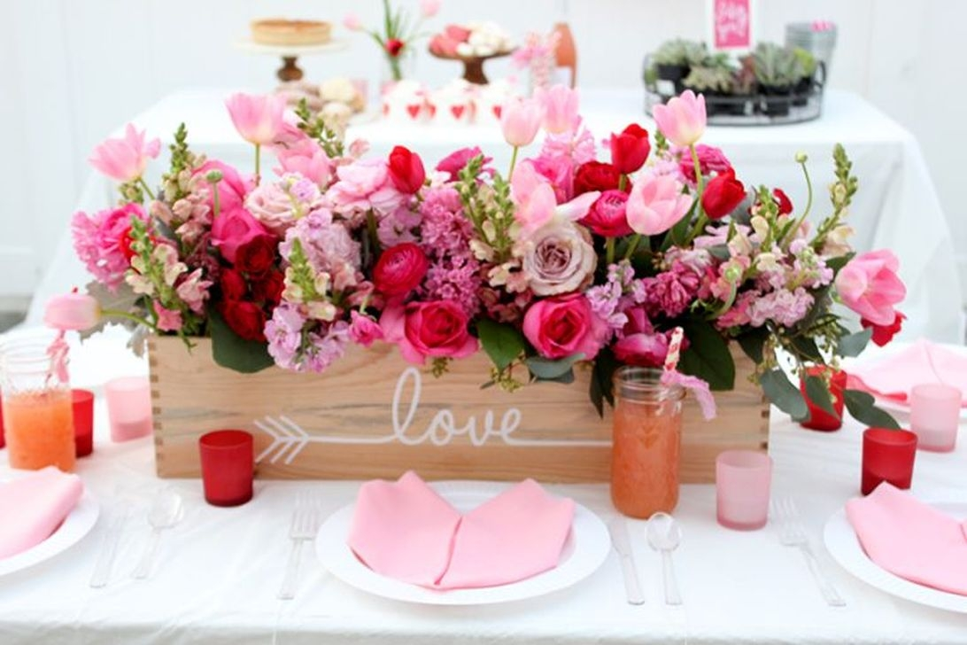 Beautiful Valentines Day Table Decor 26