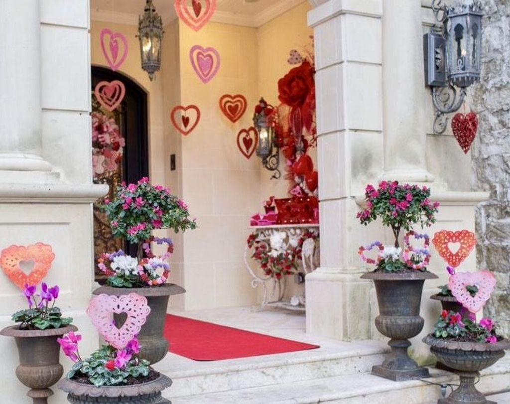 Front Porch Valentines Day Decor With LOVE Word 17