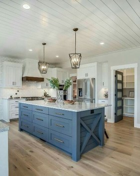 Kitchen Island Design Ideas With Marble Countertops 35