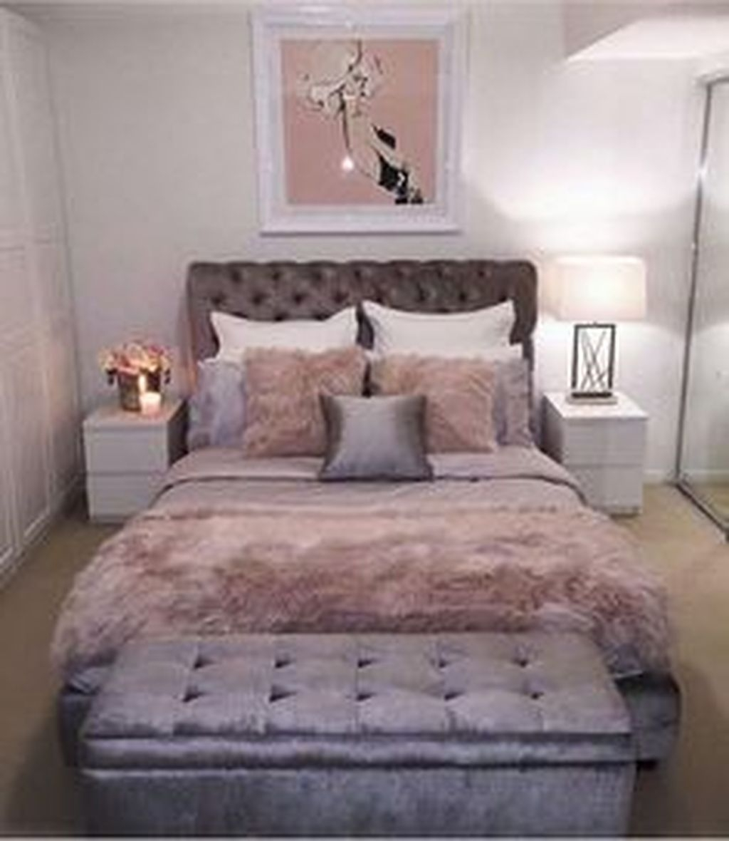 Perfect Small Bedroom Decorations 07