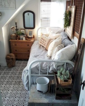 Perfect Small Bedroom Decorations 16