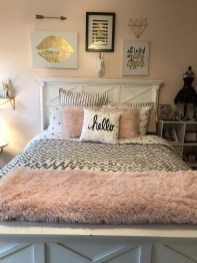 Pink Bedroom Decor You Can Try On Your Own 05