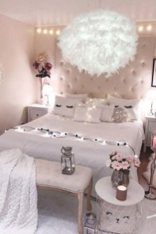 Pink Bedroom Decor You Can Try On Your Own 44