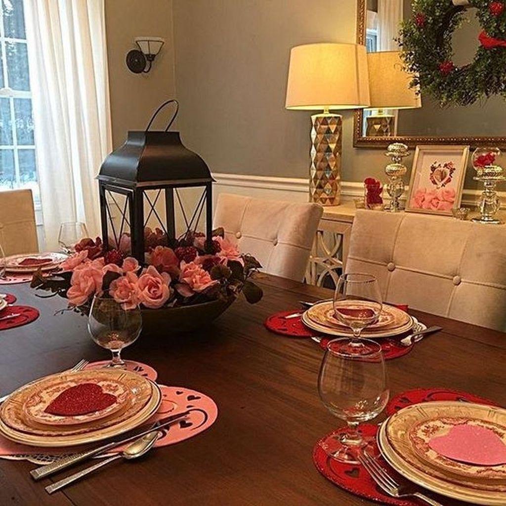 Romantic Valentines Day Dining Room Decor 04