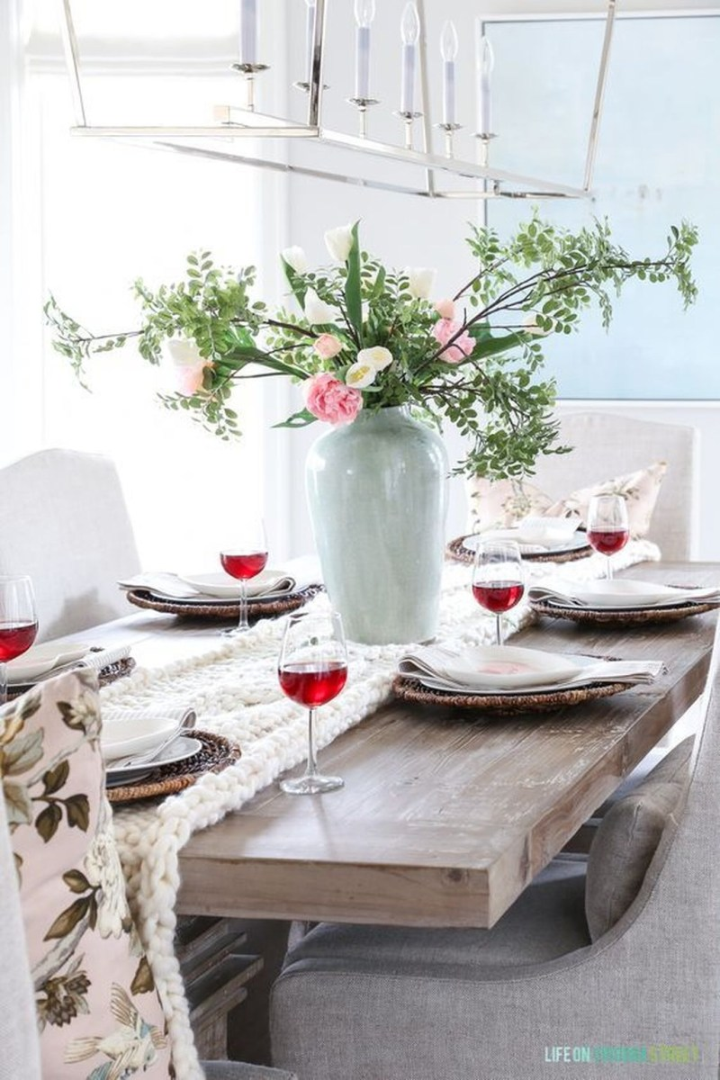 Romantic Valentines Day Dining Room Decor 05