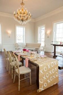 Romantic Valentines Day Dining Room Decor 16