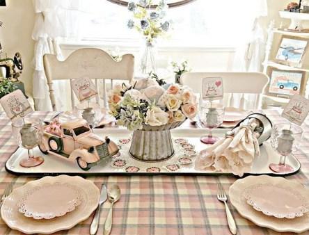 Romantic Valentines Day Dining Room Decor 20