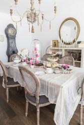 Romantic Valentines Day Dining Room Decor 21