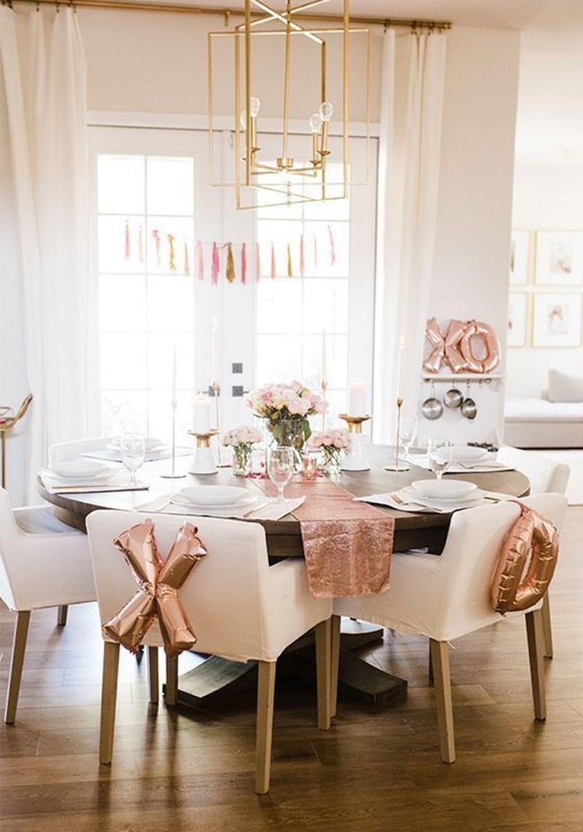 Romantic Valentines Day Dining Room Decor 32