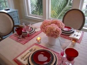Romantic Valentines Day Dining Room Decor 36