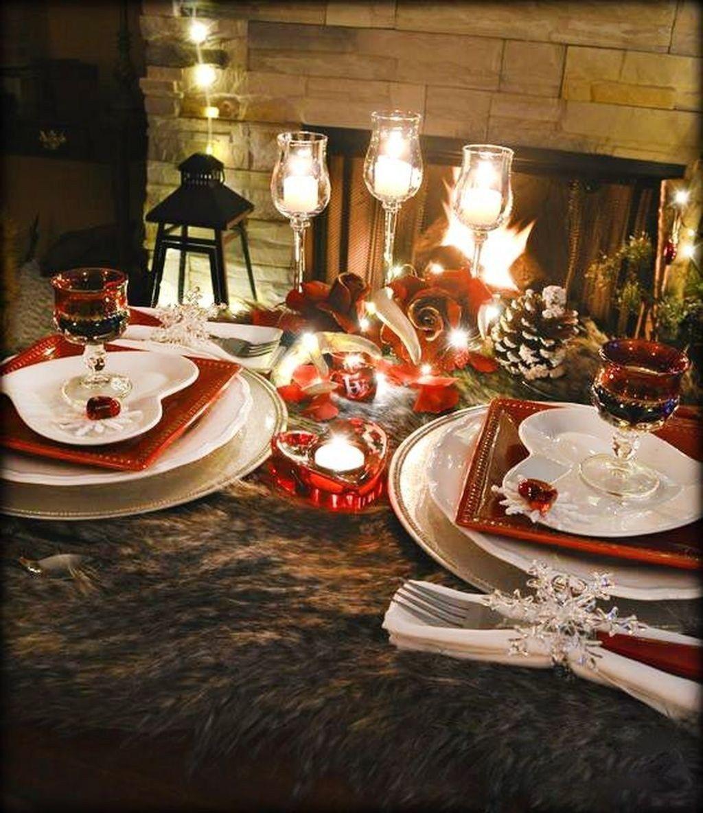 Romantic Valentines Day Dining Room Decor 50