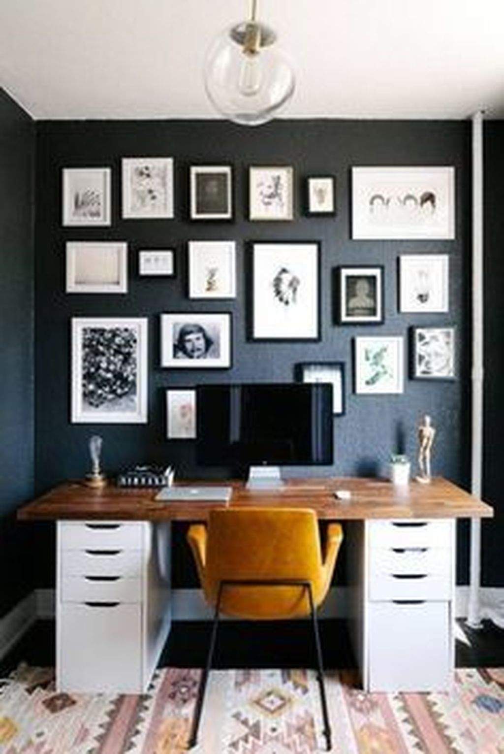 Stunning Modern Black Home Decor 17