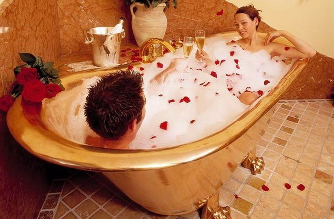 Sweet Valentines Day Bathroom Decor, Forget The Old One 44