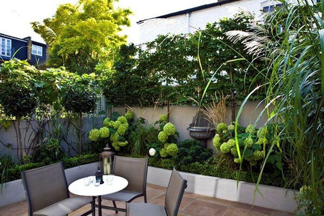 Tiny Yard Garden Design You Can Try Right Away 05