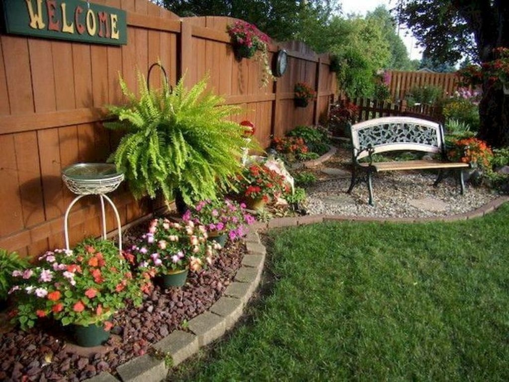 Tiny Yard Garden Design You Can Try Right Away 27