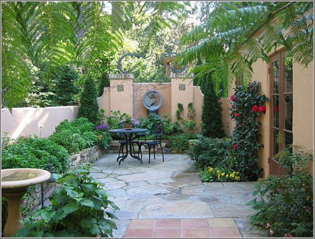 Tiny Yard Garden Design You Can Try Right Away 33