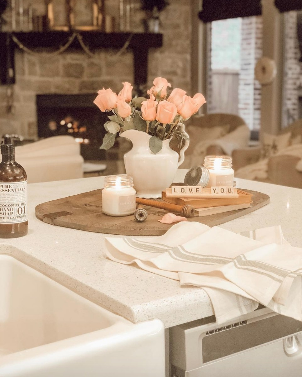 Upgrading Your Wall For Romantic Kitchen Decorations 15