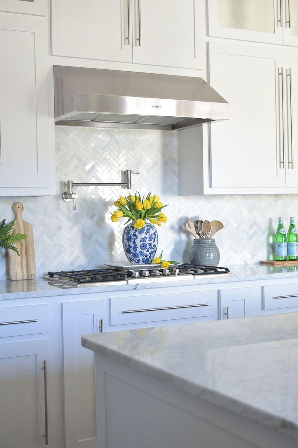 Affordable Kitchen Backsplash Decor Ideas 20