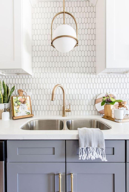 Affordable Kitchen Backsplash Decor Ideas 46