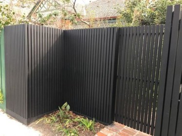 Front Yard Fence Ideas That You Need To Try 37