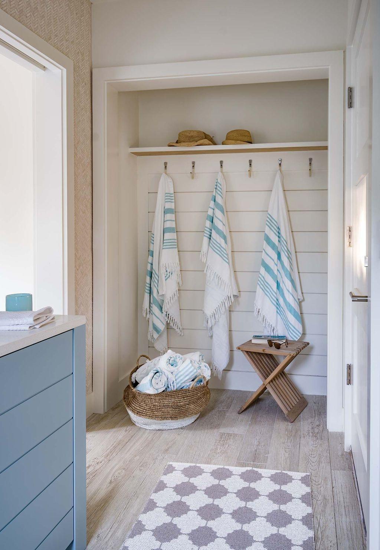 Nice Bathroom Decoration With Coastal Style 02