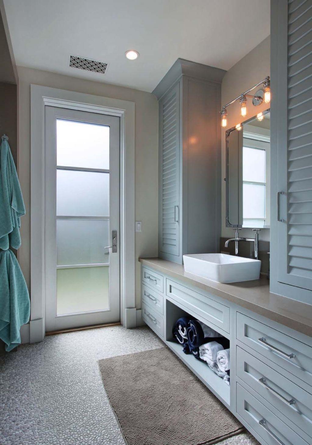 Nice Bathroom Decoration With Coastal Style 04