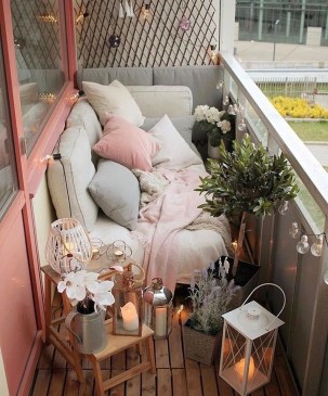 Popular Apartment Balcony Design For Small Spaces 16