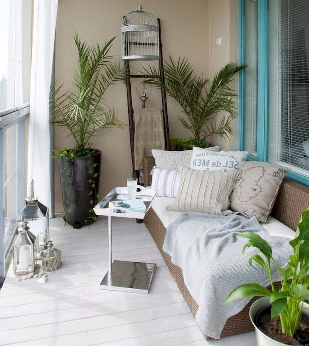 Popular Apartment Balcony Design For Small Spaces 22