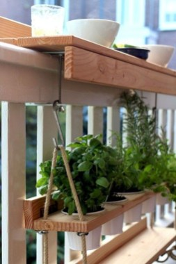 Popular Apartment Balcony Design For Small Spaces 24