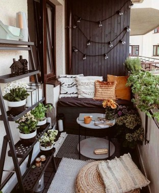 Popular Apartment Balcony Design For Small Spaces 26