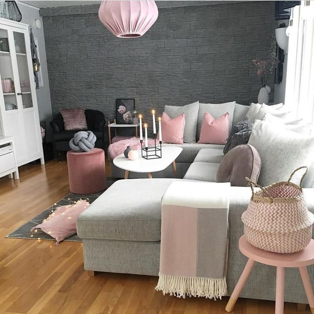 Lovely Pink Living Room Decor Ideas 19